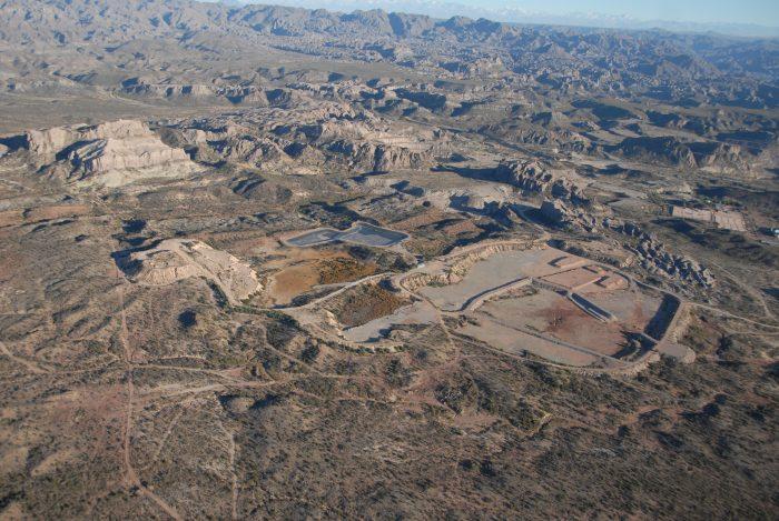 Arranca la remediación de Sierra Pintada: Hay que encapsular 5.223 tambores de 200 litros y tratar un millón de m3 de agua