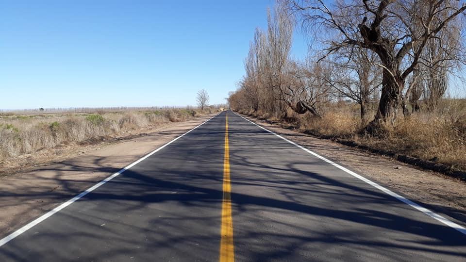 Villa Atuel: Vialidad Provincial asfaltó a nuevo casi dos kilómetros de la calle Cobos