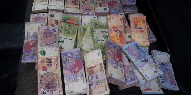 Una mujer denunció que le robaron $900 mil pesos