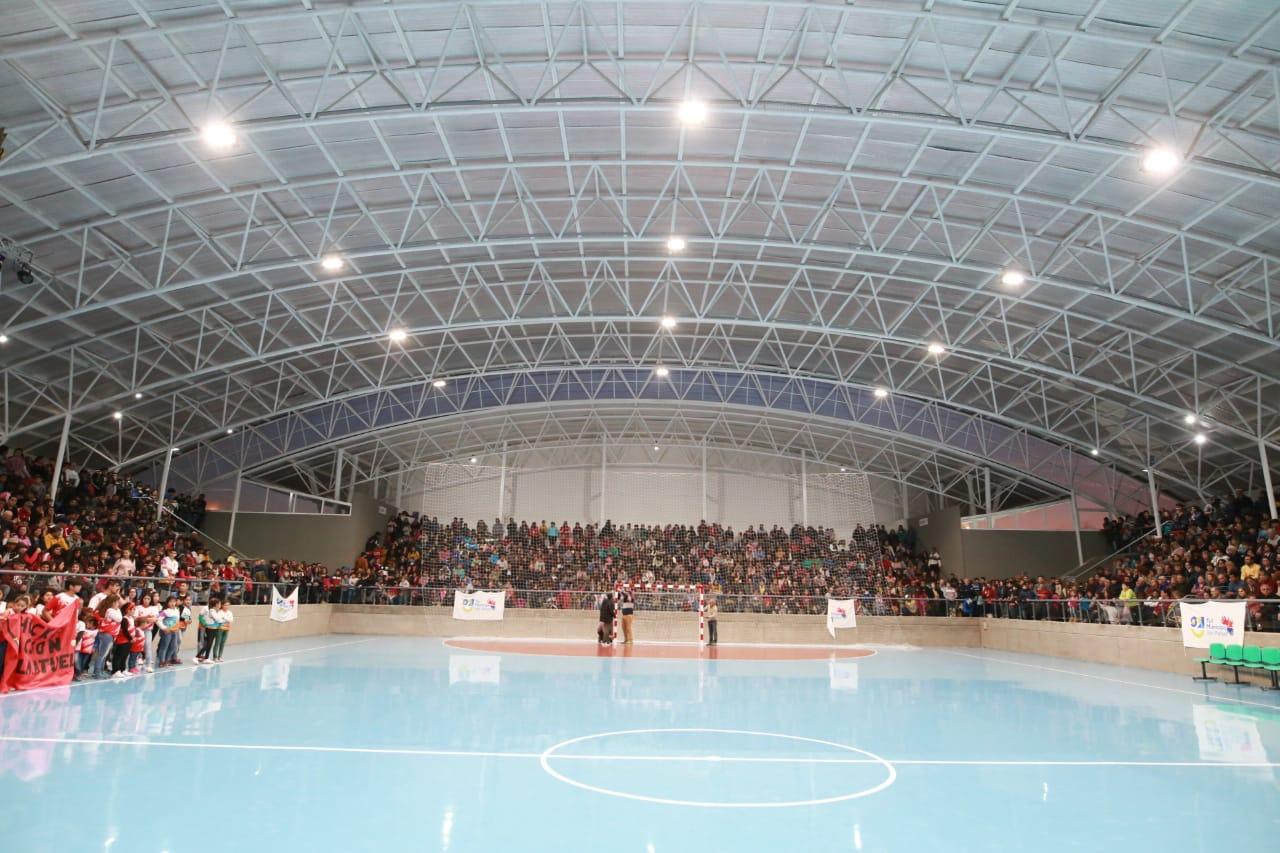 Así se vive la inauguración del nuevo Polideportivo