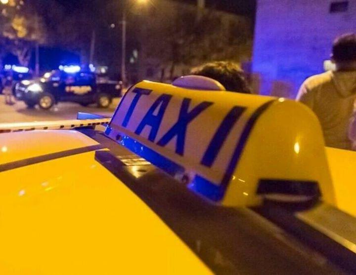 Robaron e hirieron a taxista y una pasajera