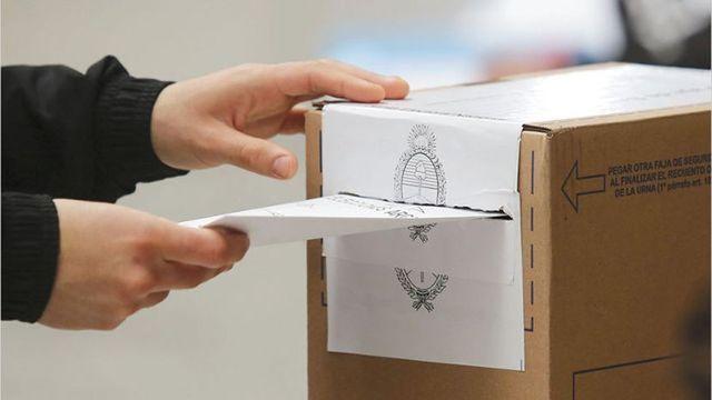 Elecciones del domingo: Advierten que quien no vote no podrá realizar trámites por un año, ni acceder por 3 años al empleo estatal
