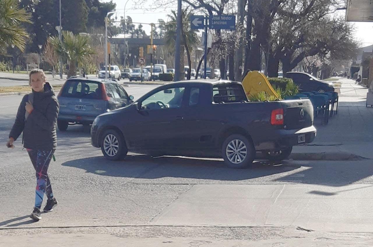 Extraña forma de estacionar