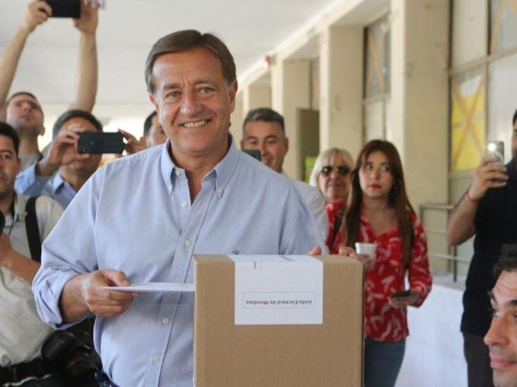Mendoza le dio un cachetazo al kirchnerismo y eligió a Suárez como nuevo gobernador