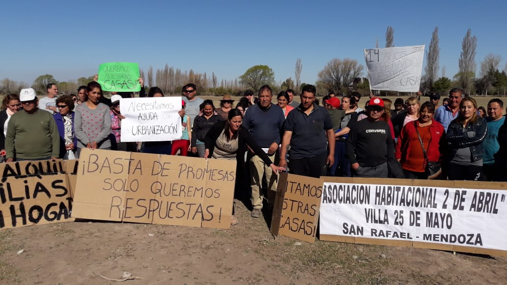 Villa 25 de Mayo: Vecinos se manifestaron para pedir por la construcción de un barrio prometido