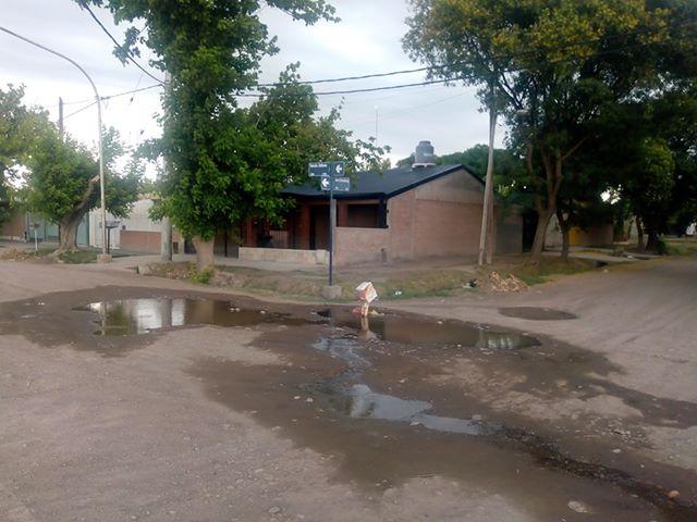 AySAM no puede con una pérdida de agua