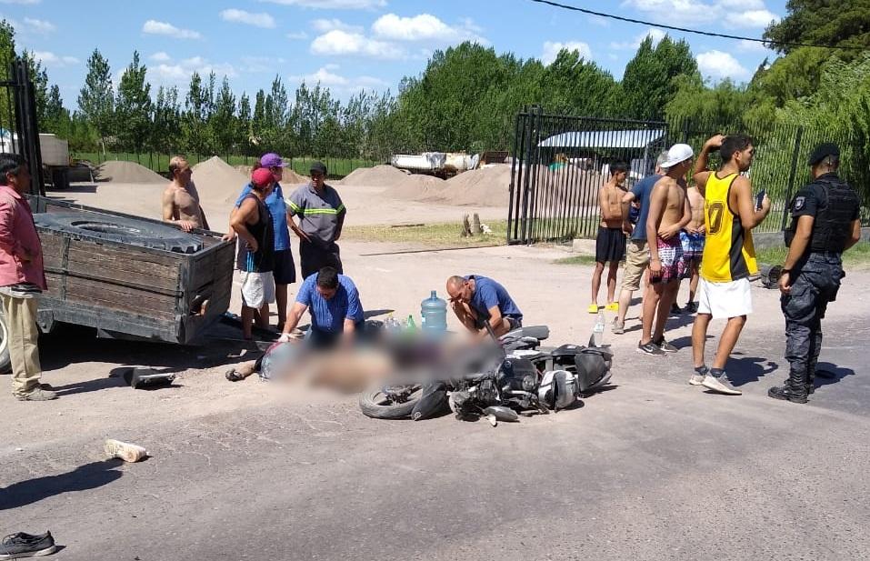 Accidente fatal en calle Los Filtros: Murió una joven que iba de acompañante en una moto