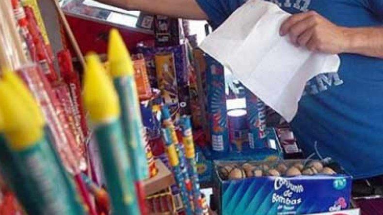 Quedan sólo tres departamentos en Mendoza que no prohibieron la venta de pirotecnia