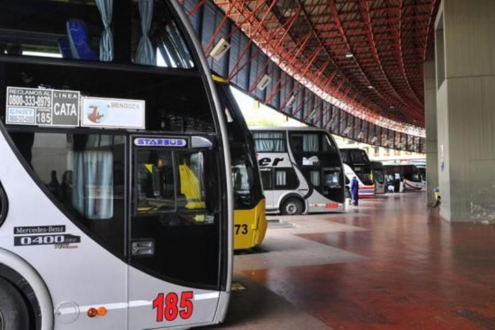En un colectivo de CATA seis horas y media para llegar a Mendoza