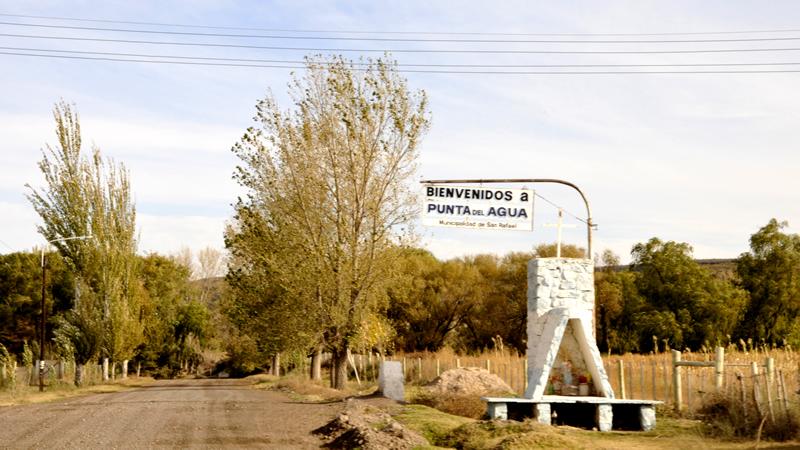 Docentes de Punta del Agua piden un colectivo de línea diario para poder llegar al distrito