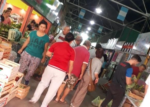 Primer día de cuarentena y miles de sanrafaelinos en las calles y comprando